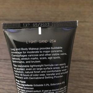 Dermablend leg and body makeup light sand